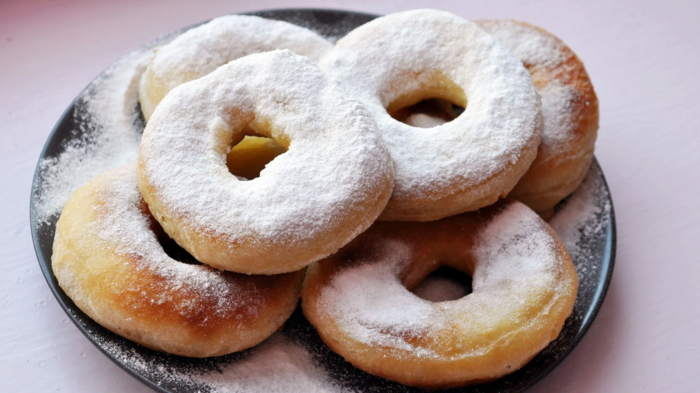 Пончики с пудрой