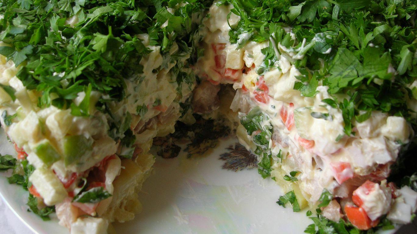 Салат с селёдкой и грибами