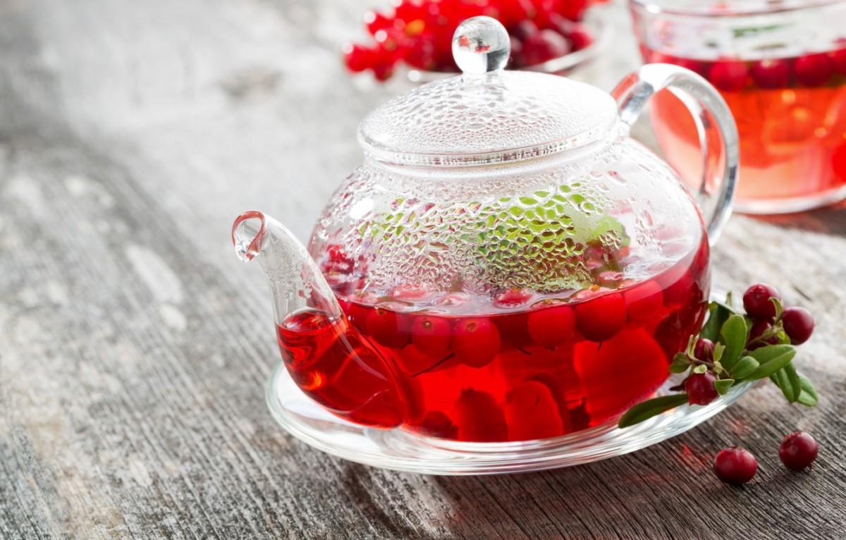 Чай с черемухой и брусникой