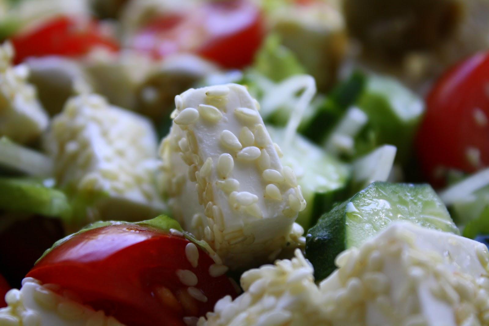 Греческий салат классический рецепт с кунжутом