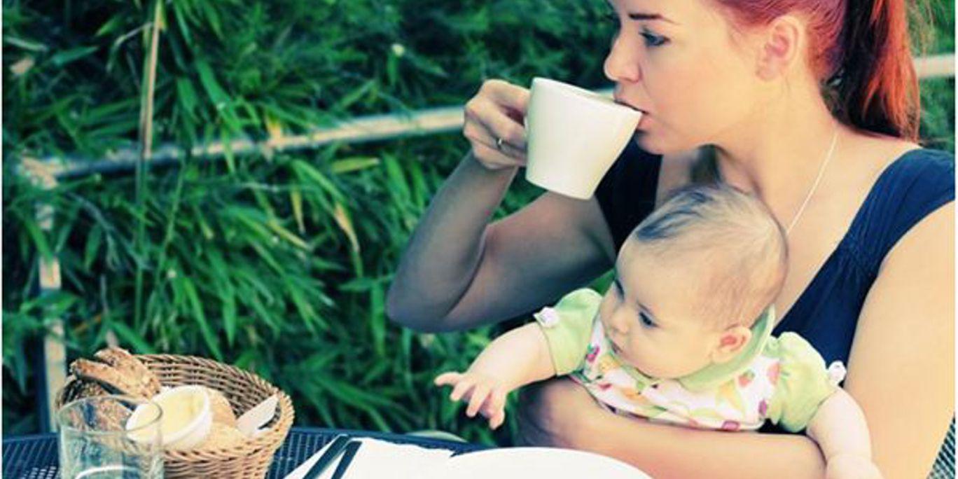 сколько кофе можно пить кормящей маме