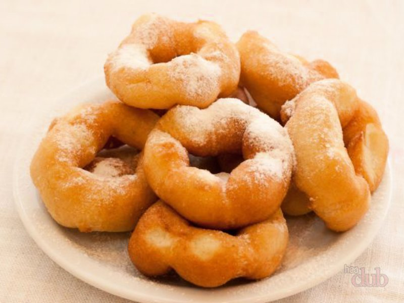 «Пятиминутные» кефирные пончики